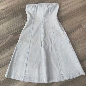 Gorgeous strapless BR seersucker dress in EUC
